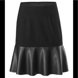 cabi | Black Flip Skirt